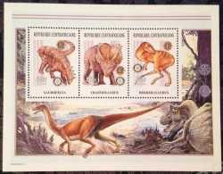 Central African Republic, Prehistoric animals, 2002, 3stamps